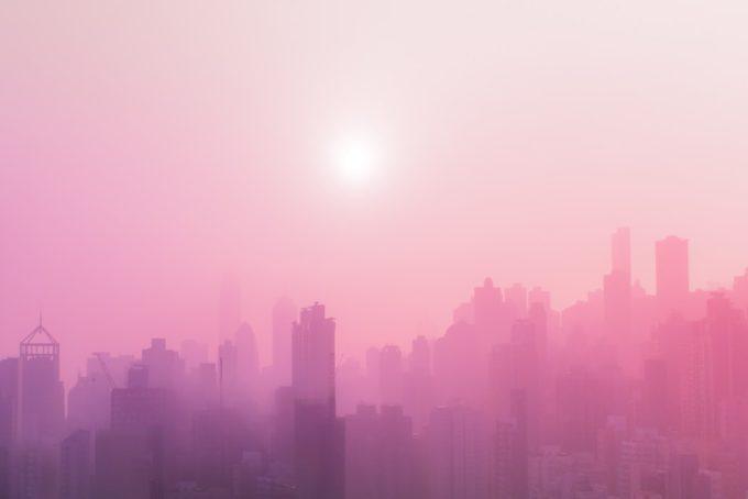 ピンク色の街