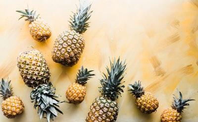 黄色いフルーツ